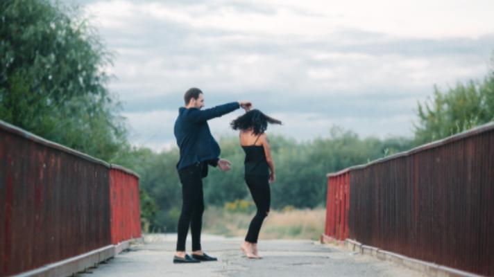 Por que fazer aula de Dança de Salão?