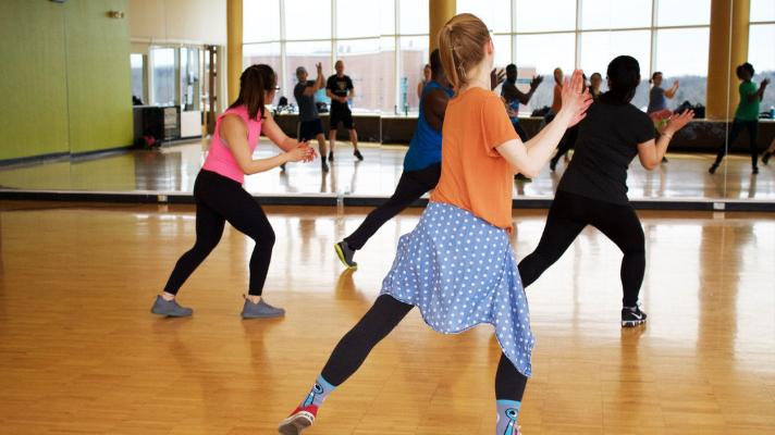 Dançar se exercitando ou malhar dançando?